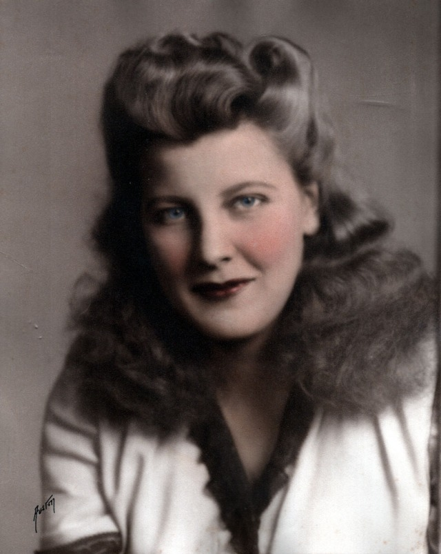Rosamonds 1944 Lilian Portrait (tinted)