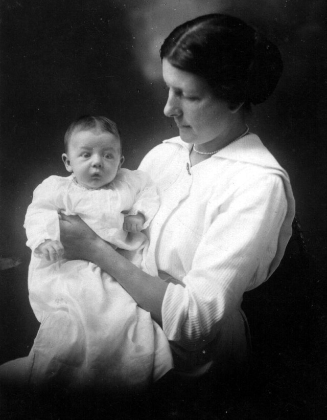 Rosamonds 1913 June &  Mary