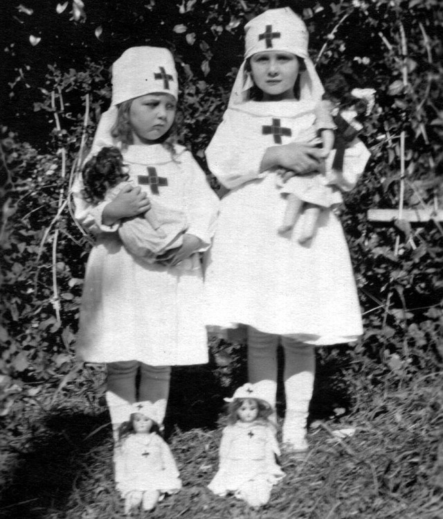 Rosamonds 1917 June & Bonnie as Nurses