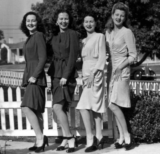 Rosamonds 1942 June, Bonnie, Rosemary & Lillian