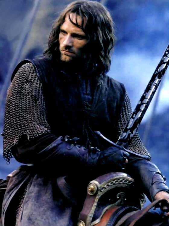 Aragorn-lord-of-the-rings-31401340-560-750