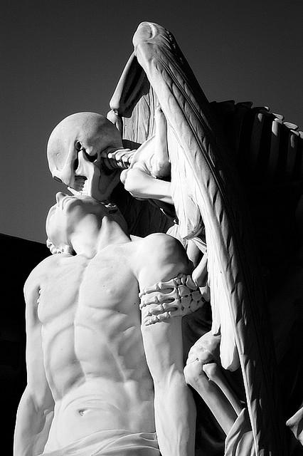 kiss of death poblenou barcelona 2