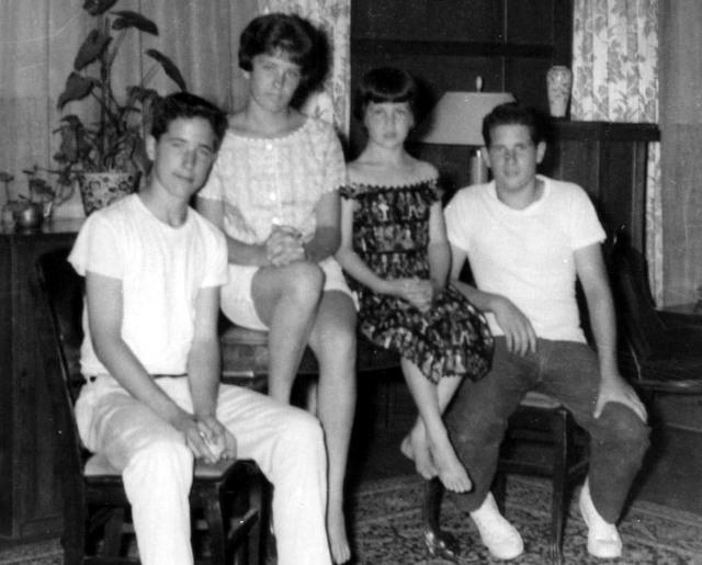 Prescos 1961 Greg, Christine Vicki & Mark