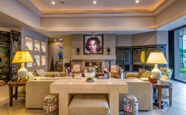 Elizabeth+Taylor+lounge