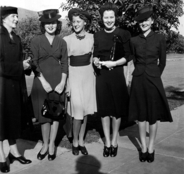 Rosamonds 1939 Mary, Rosemary, Lilian, Bonnie & June
