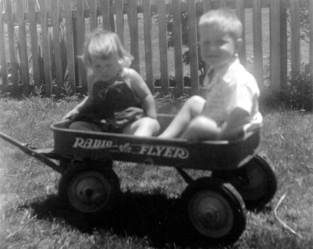 Prescos 1949 Christine & Greg in wagon